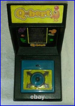 QBERT Vintage Tabletop Electronic Game PARKER BROTHERS Mini Arcade QBERT q-BERT