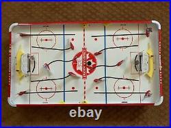 Vintage 1968 Munro Table Top Canadian Hockey Club Model 986 Game