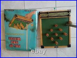 Vintage Rétro top Game Pull UP Table Skittles kay London