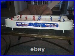Wayne Gretzky's ALL STAR HOCKEY NHL Table Top Game with Original Box ins 2 pucks